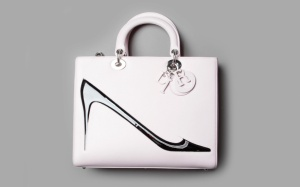 dior_et_la_fondation_andy_warhol_sac_de_2013_556171878_north_883x.1