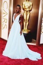 Lupita Nyong'o looks stunning in a Nairobi blue Prada Gown at Oscars2014