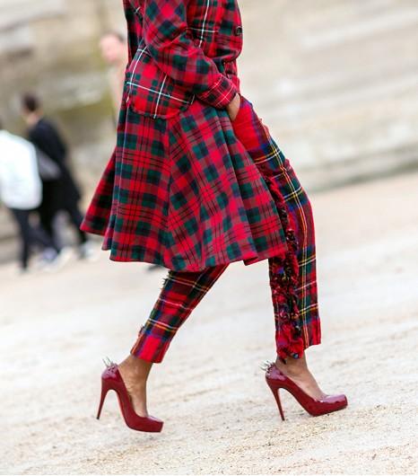 Paris-Street-Style-Fall-Fashion-14-Accessories-Edition-7