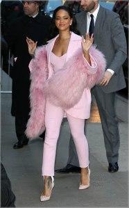 Rihanna-in-pink